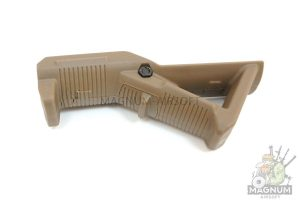 Grip PTS AFG1 Tan 090TN 2 300x200 - РУКОЯТКА НАКЛАДКА НА ЦЕВЬЕ Magpul Angled fore Grip PTS AFG1 Tan 090(TN)