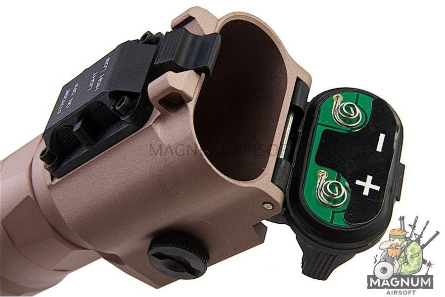 Blackcat Airsoft HX35 Tactical Flashlight - Tan