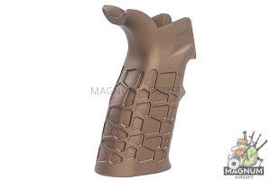 G&P Aluminum (CNC Process) Honeycomb Heat Sink Grip for Tokyo Marui & G&P M4 / M16 Series - Sand