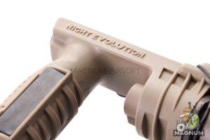 Night Evolution M910A Vertical Foregrip Weapon Light - DE