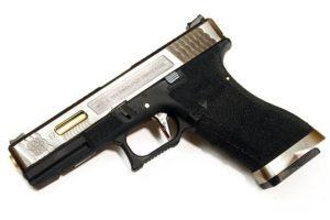 Пистолет WE GLOCK-17 G-Force металл слайд, черная рамка, хромированный слайд, золоченый ствол WE-G001WET-3